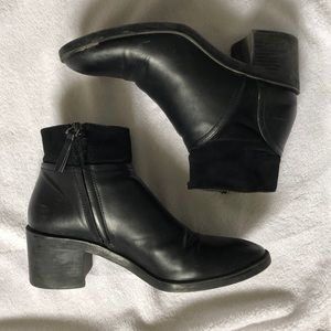 Zara Black Leather heeled Boots